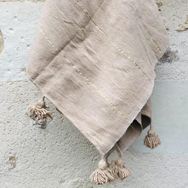 pom-pom-blanket-moroccan